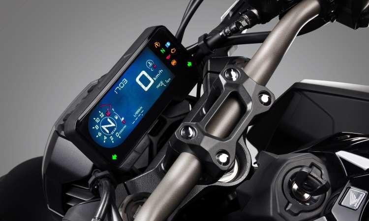 O painel digital em tela LCD tem formato retangular - Honda/Divulgação
