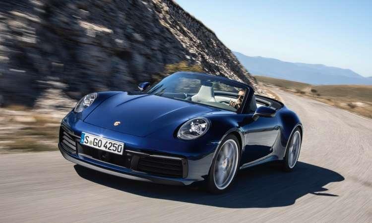 O conversível tem capota com novo sistema hidráulico que abre e fecha em apenas 12 segundos - Porsche/Divulgação
