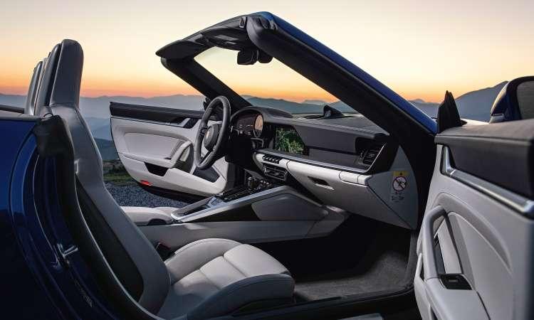 Interior tem acabamento sofisticado e painel em dois níveis horizontais, com tela central de 10,9 polegadas - Porsche/Divulgação