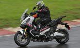 Honda X-ADV é uma mistura de scooter com as motocicletas fora de estrada