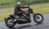 Inspirada nas motos de arrancada, Harley-Davidson Softail FXDR 114 chega ao Brasil