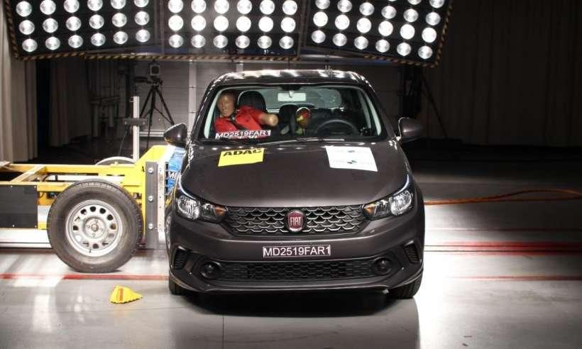 Fiat Argo e Cronos recebem três estrelas no teste de impacto do Latin NCAP