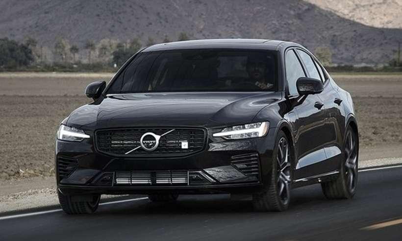 Volvo lança nova geração do sedã S60, que chega com preços a partir de R$ 195.950