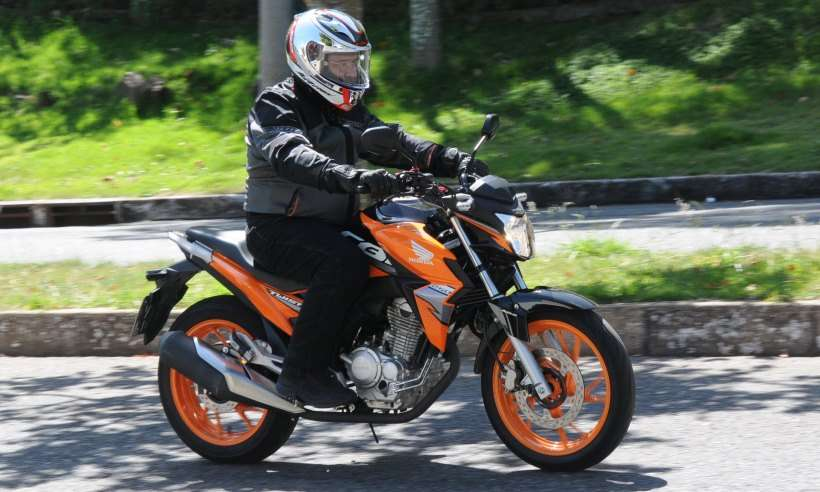 Honda CB 250 Twister com ABS: ventania com breque