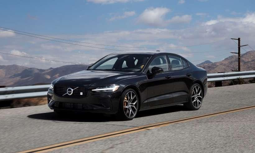Volvo lança no Brasil o S60 e XC60 na versão T8 Polestar Engineered