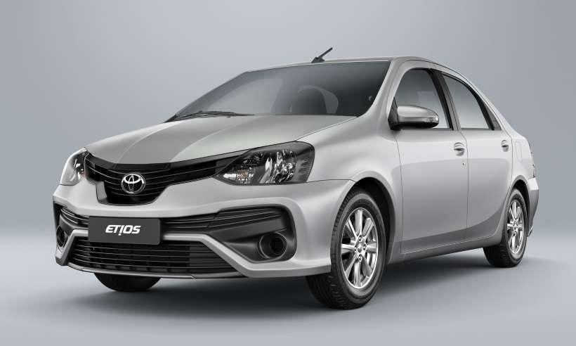 De olho nos taxistas e motoristas de aplicativo, Toyota lança Kit GNV para o Etios Sedã