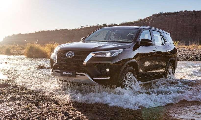 Reestilizada, Toyota SW4 2021 chega ao Brasil com preços entre R$ 202.390 e R$ 314.790
