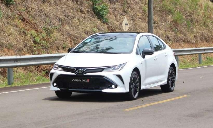 Toyota Corolla GR-S: versão esportiva do sedã chega ao Brasil em 2021