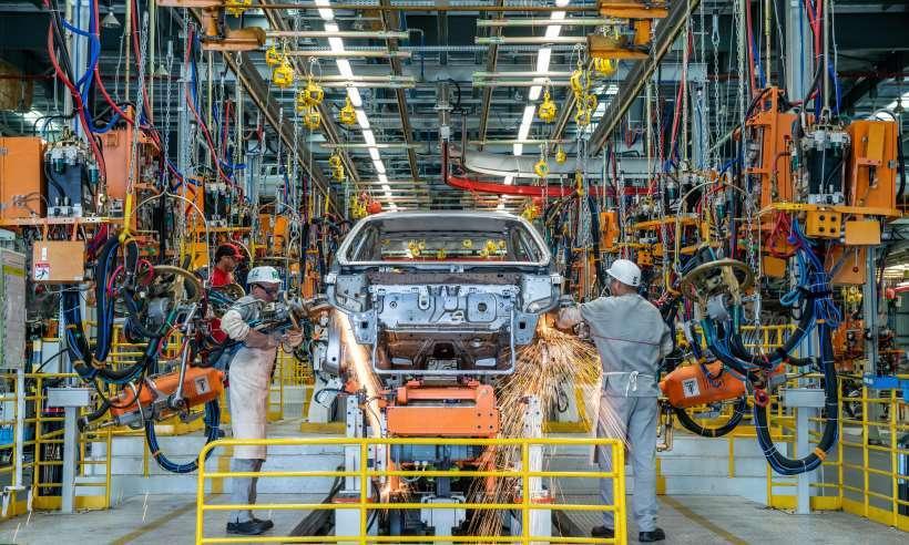 Com queda de 31,6%, produção de veículos no Brasil alcança patamar de 2016