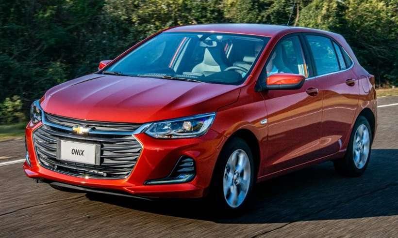 Vendas de automóveis e comerciais leves caem em fevereiro, e Ford afunda
