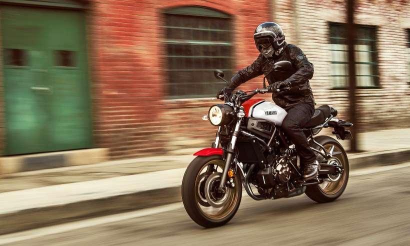 Yamaha XSR 700 2021: filhote veloz que mistura detalhes retrô e modernidade