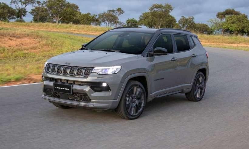 Jeep lança o Compass 2022 com mudanças no visual e novo motor T270