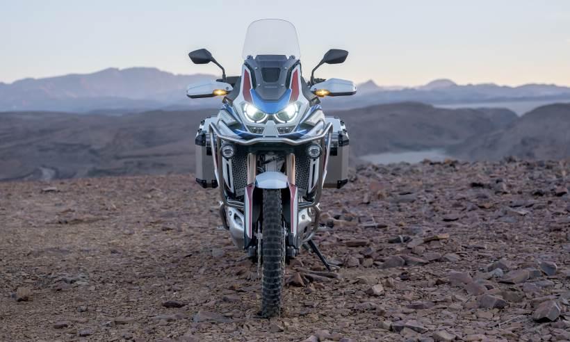 Terceira geração da Honda Africa Twin chega em julho com motor mais forte