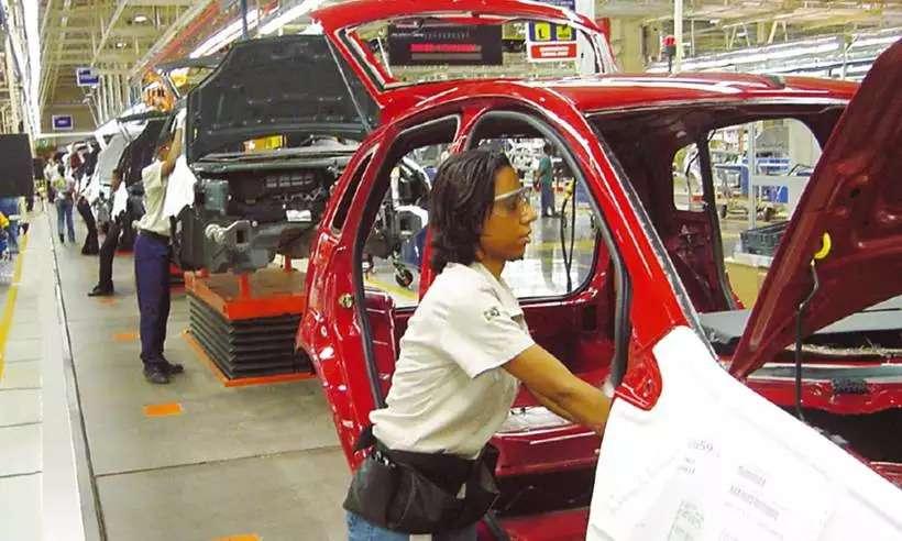 Semicondutores: Anfavea revê projeção da produção de veículos no Brasil